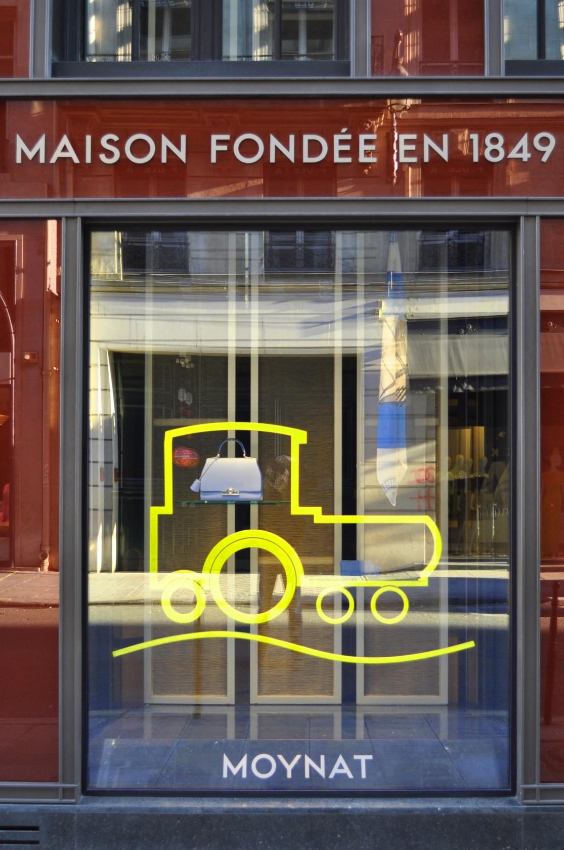 vitrines moynat pour pharrell williams ludovic avenel b niste cr ateur paris. Black Bedroom Furniture Sets. Home Design Ideas