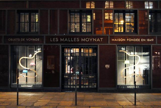 Ludovic AVENEL : ébéniste créateur Paris -  Ludovic Avenel_ Moynat_vitrine_circuit voiture (5)
