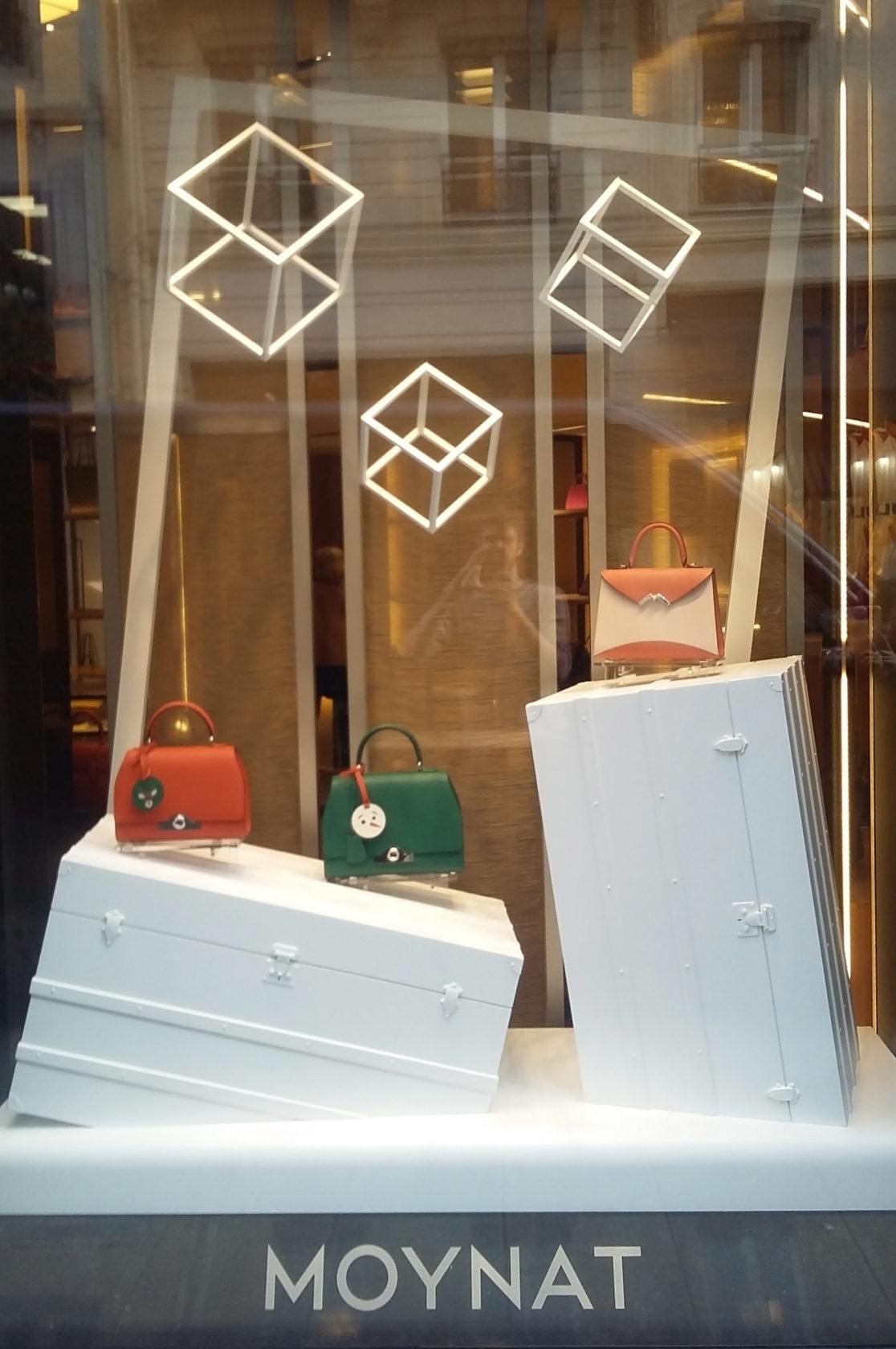 fran ais vitrines moynat ludovic avenel b niste cr ateur. Black Bedroom Furniture Sets. Home Design Ideas