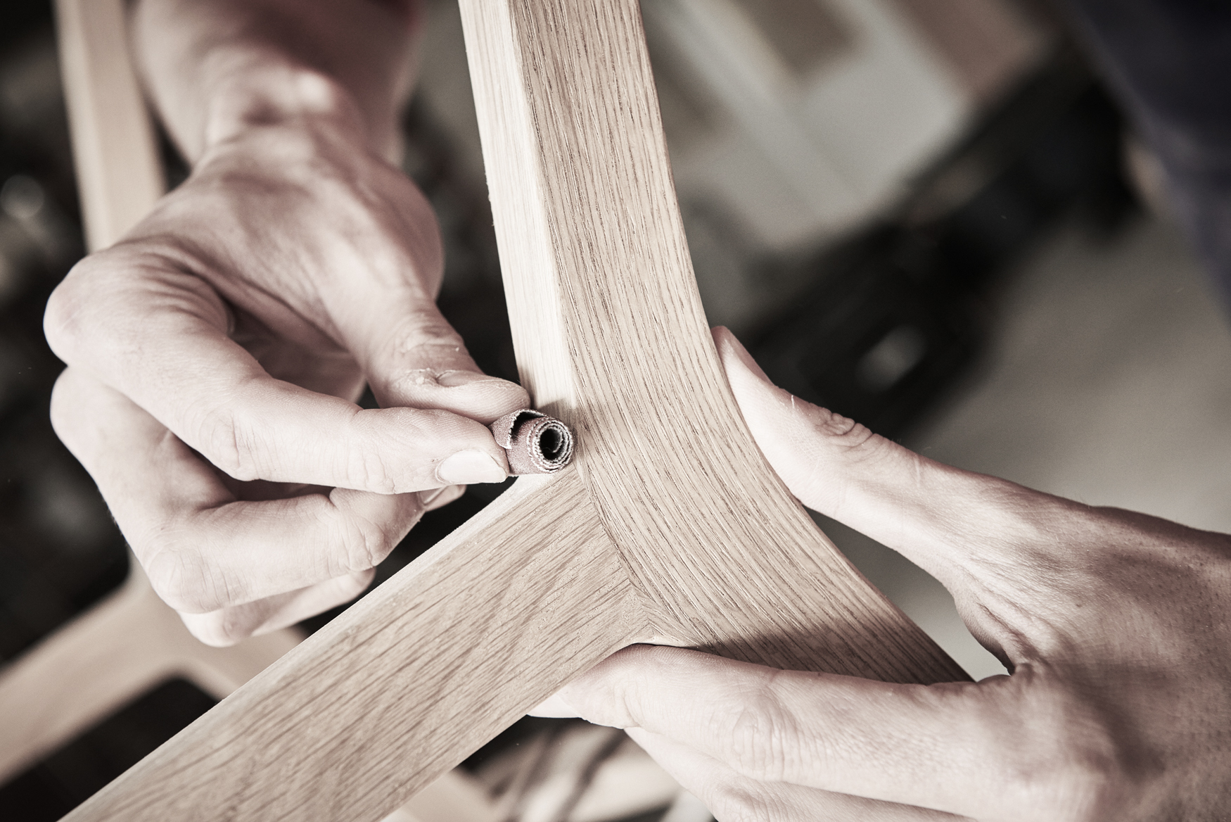 Ludovic AVENEL - Ebéniste Paris - Fabrication de meubles sur mesure - main ebeniste Ludovic Avenel